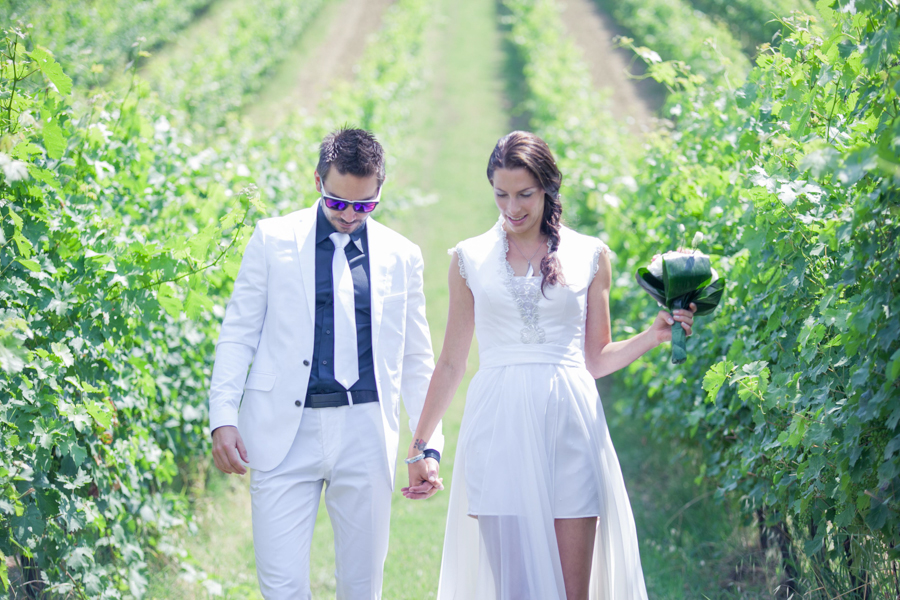 destination_wedding_photographer_europe_italy_fearless_rock_and_roll_personality_young_stylish-30