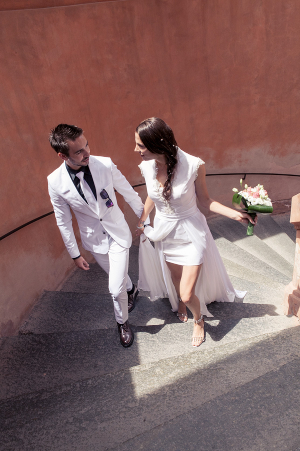destination_wedding_photographer_europe_italy_fearless_rock_and_roll_personality_young_stylish-36